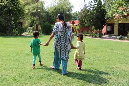 India_CV Faridabad_SOS mother walking with girls_RMiller-2.JPG